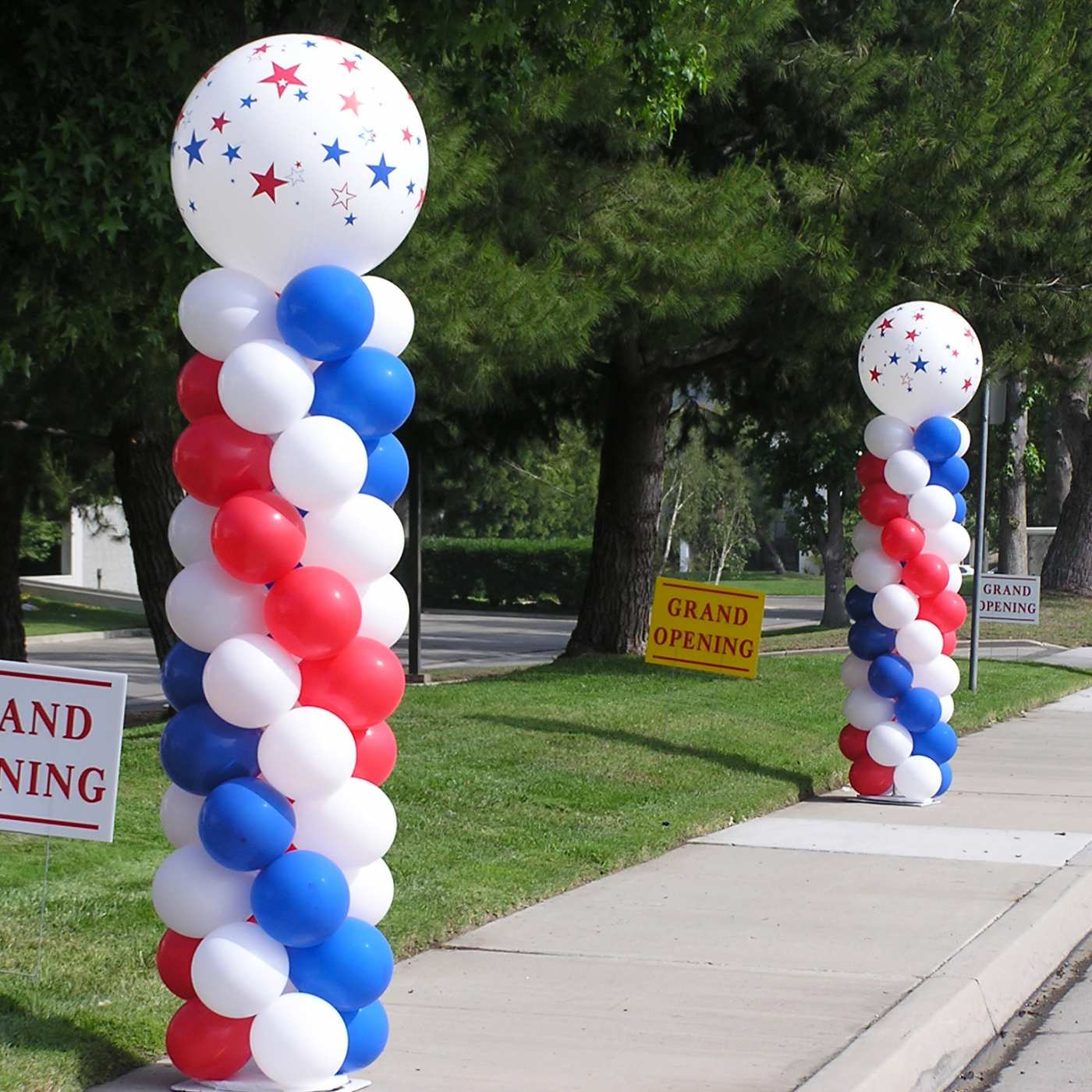 Patriotic balloon columns for grand opening
