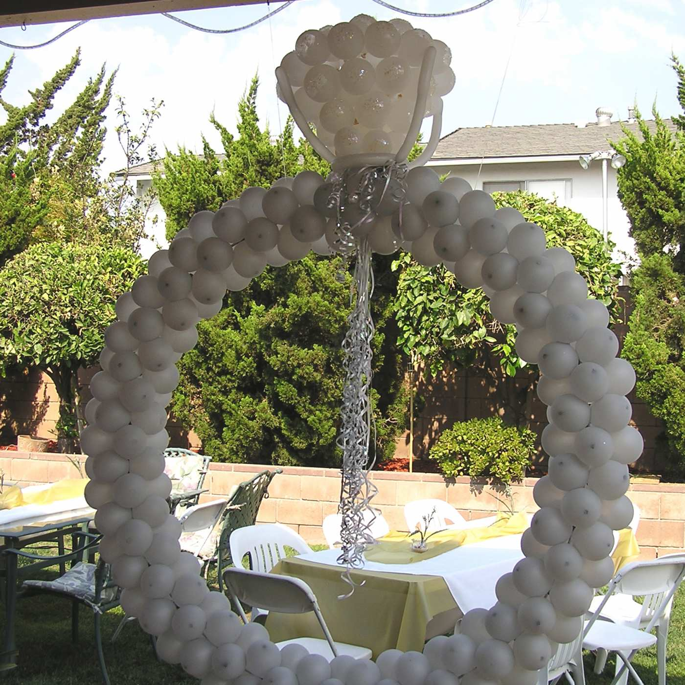 Engagement ring balloon sculpture