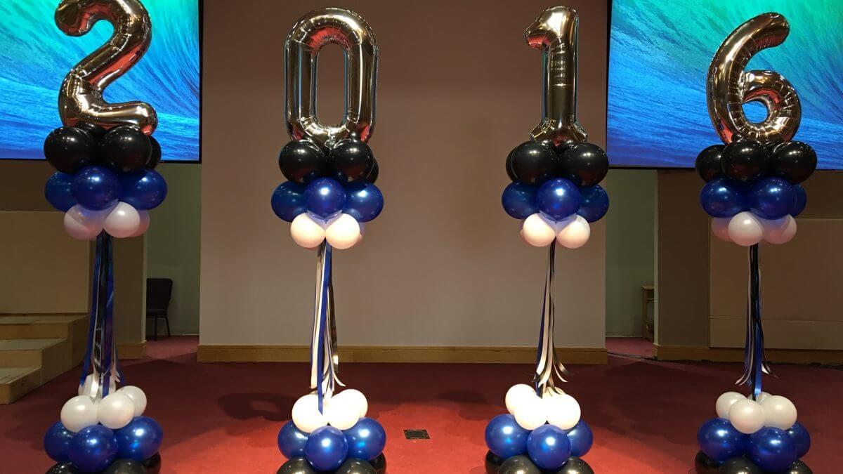 Graduation balloon number columns