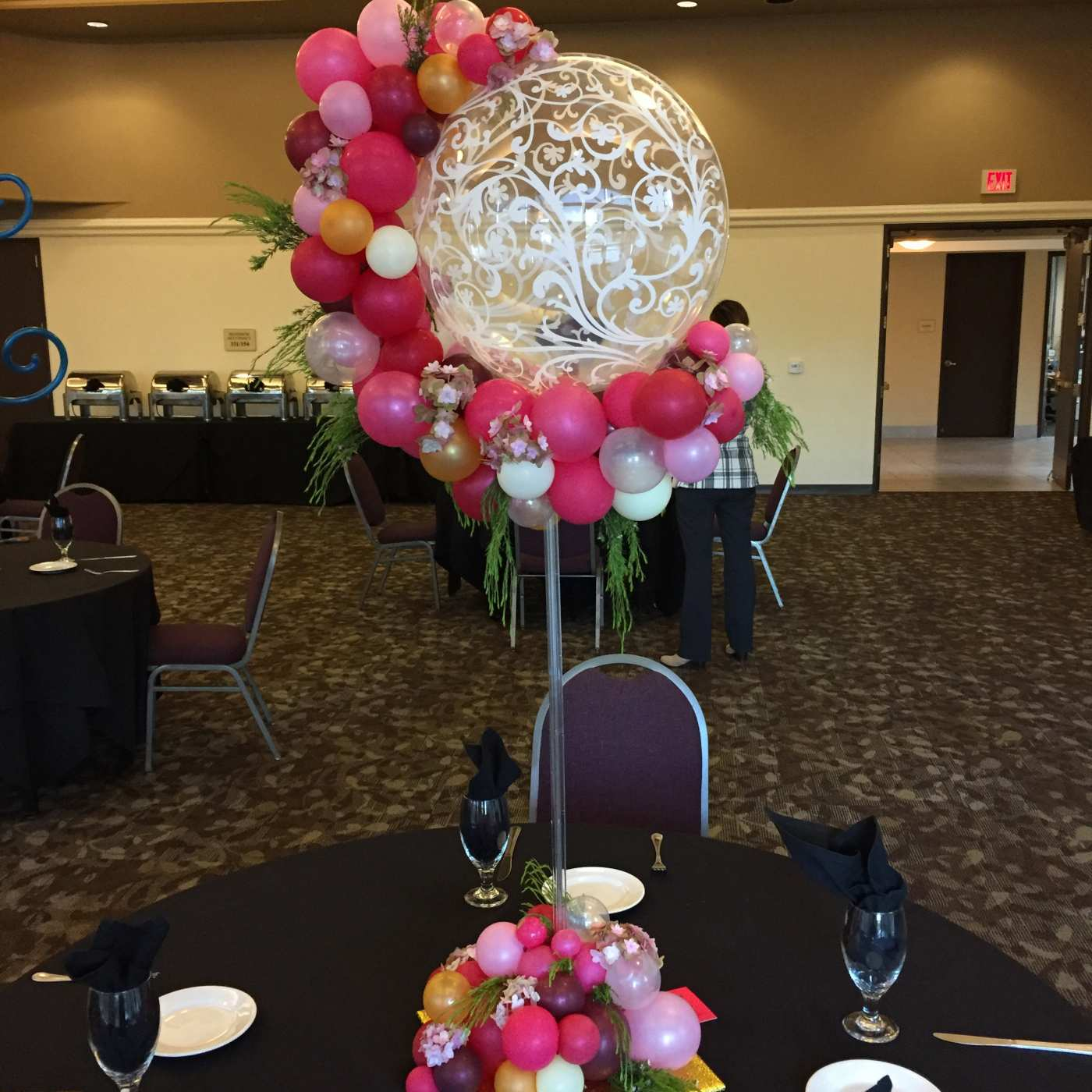Organic balloon centerpiece