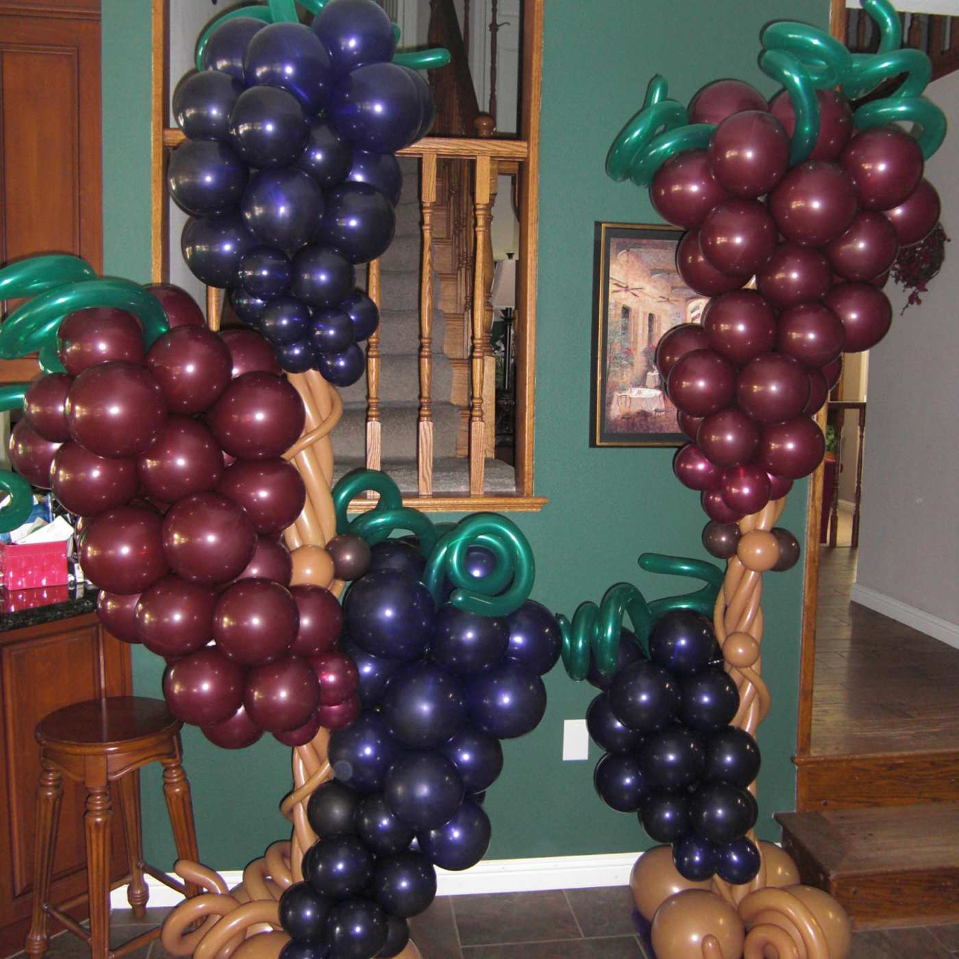 Grapes on a vine balloon sculpture